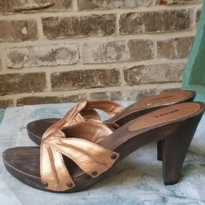 Bronx Metallic Wooden Leather Strappy Mules Clogs